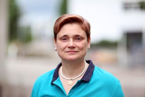 Pamela Arnold